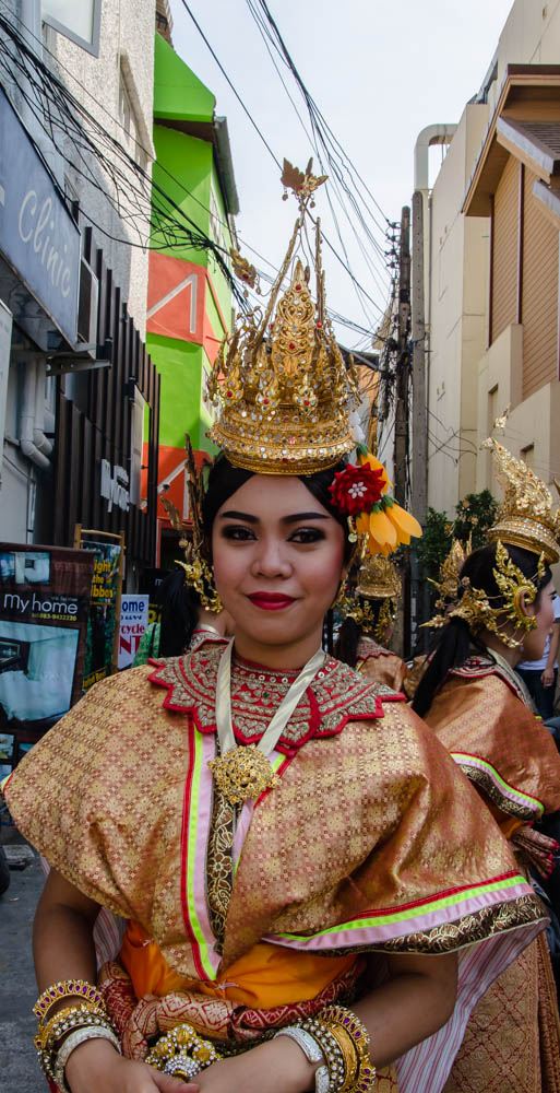 A Thai woman dressed in traditional costume