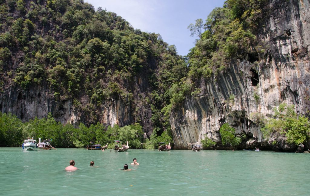 We visited many small coves and beaches during the trip to Hong Islands