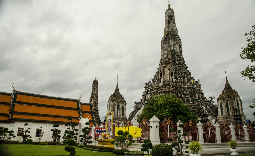 Even if the weather is bad, Wat Arun is still impressive