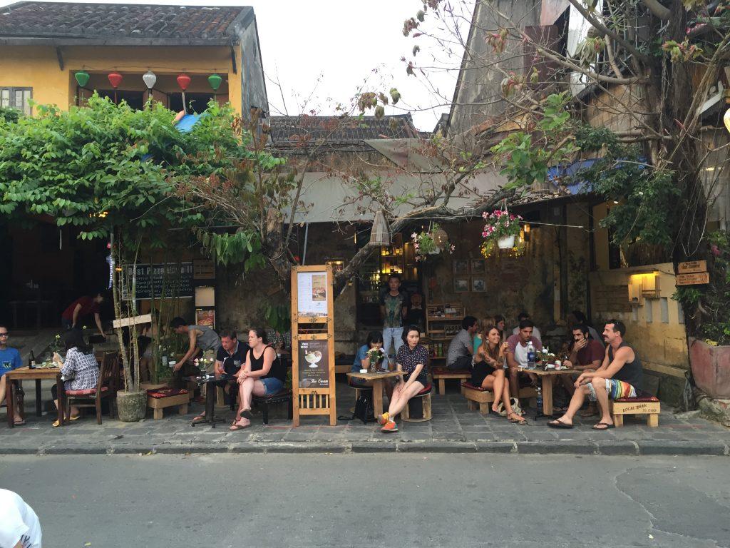 Godzinami mogliśmy siedzieć w kafejkach i barach w Hoi An