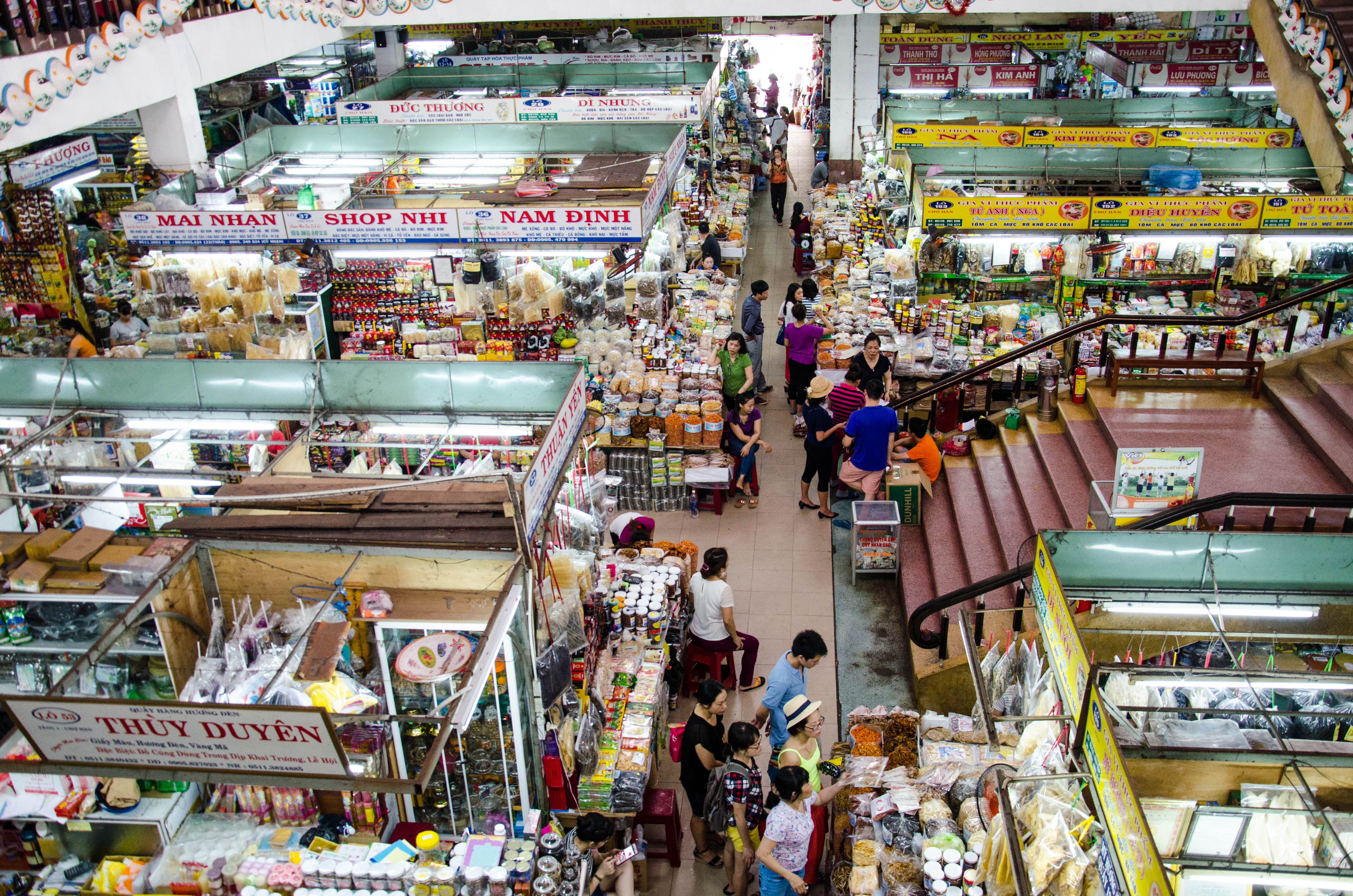 Han Market: The humming heart of the busy city - The Blond Travels