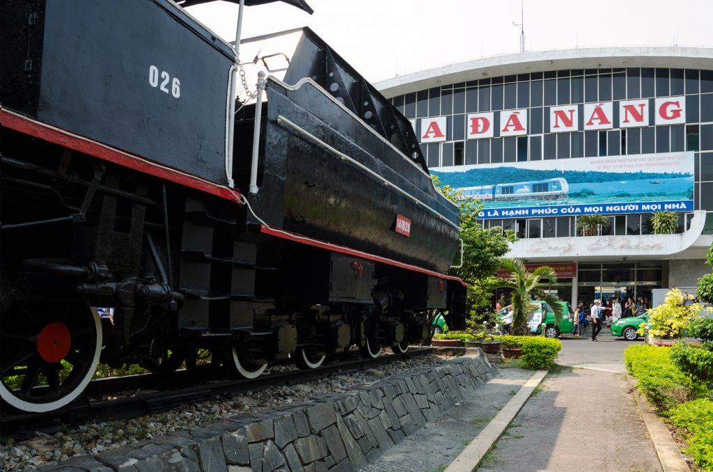 da-nang-trainstation-outside