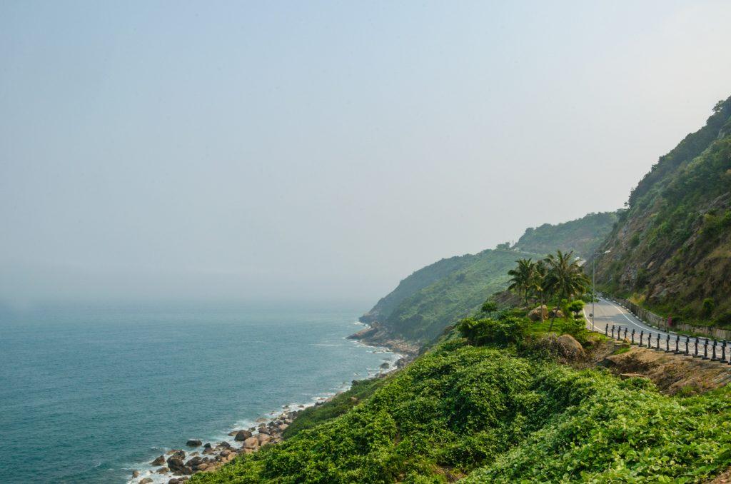 son-tra-peninsula-da-nang-coast