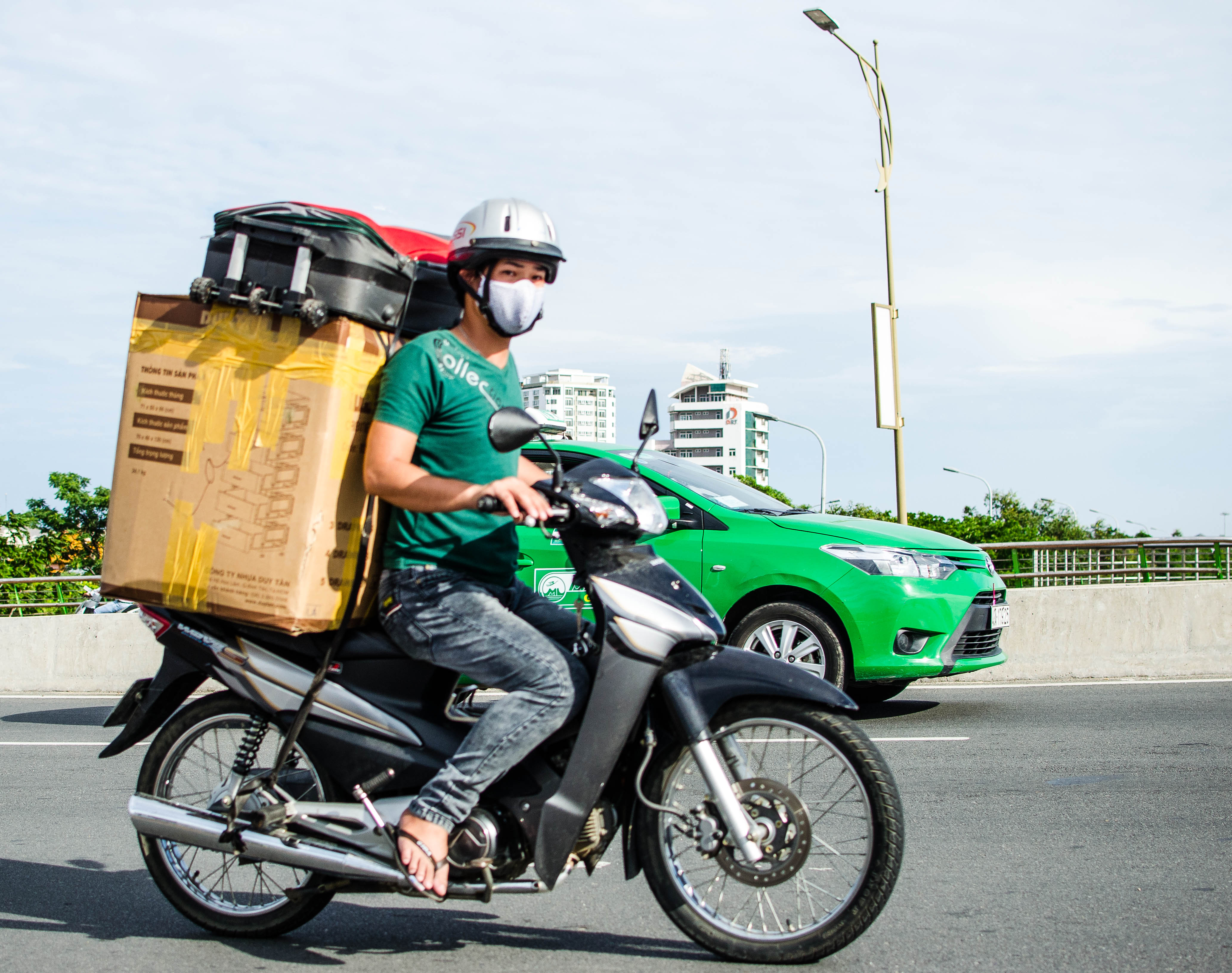 Rent and drive a scooter in Vietnam: Have a thrilling adventure - The Blond Travels