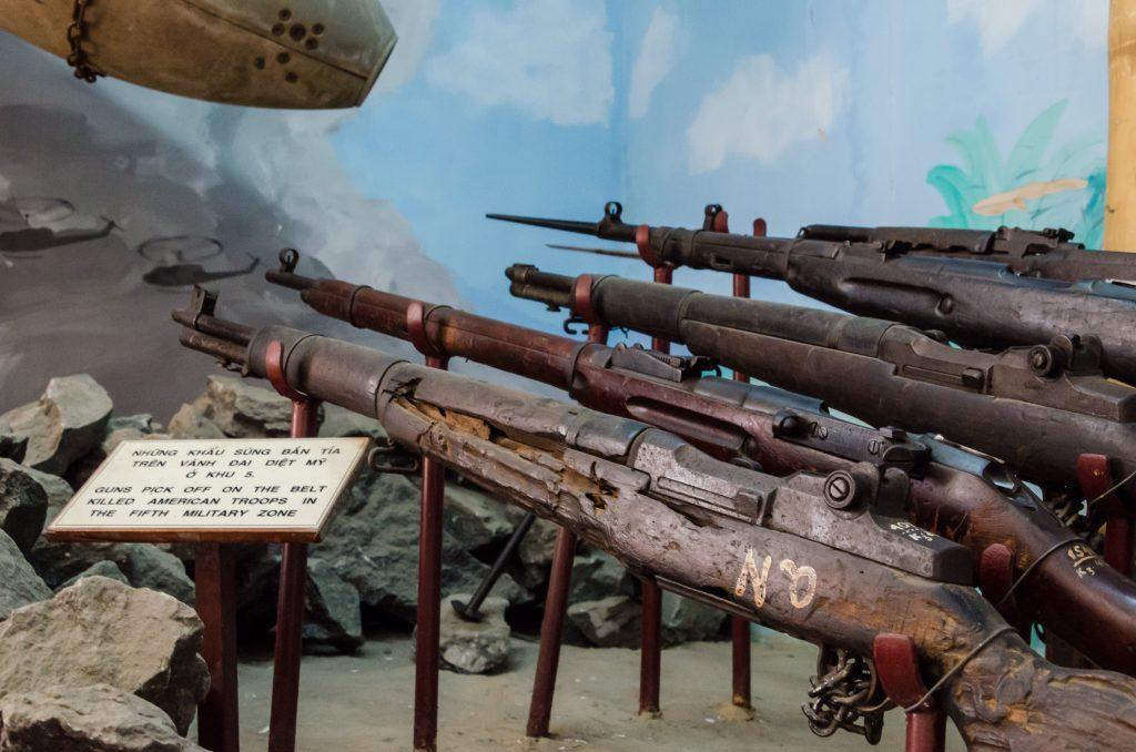 da-nang-military-museum-rifles