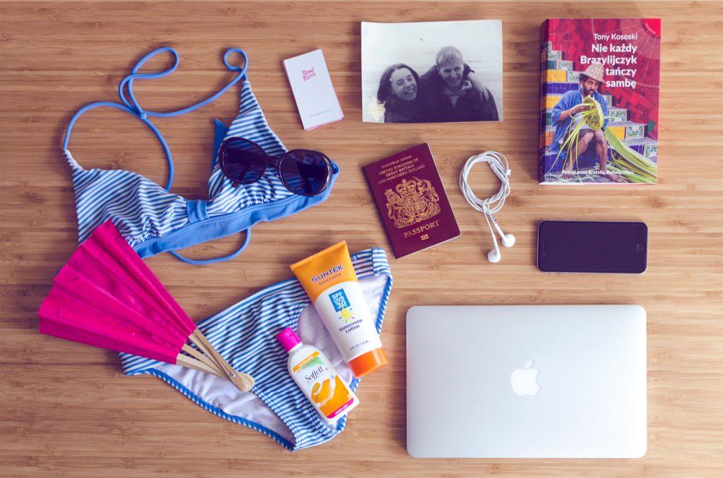 theblondtravels-travel-items (1)