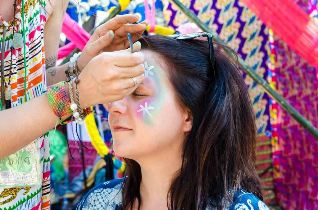 Jai Thep Festival, face painting