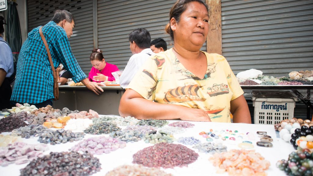 sellers of precious stones in chanthaburi market