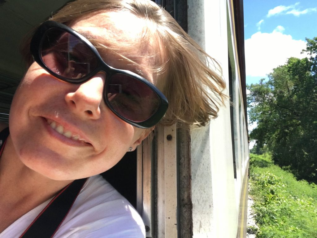 joanna w pociągu w kanchanaburi