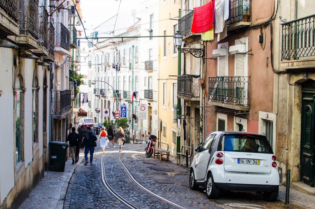 ulice w lizbonie alfama