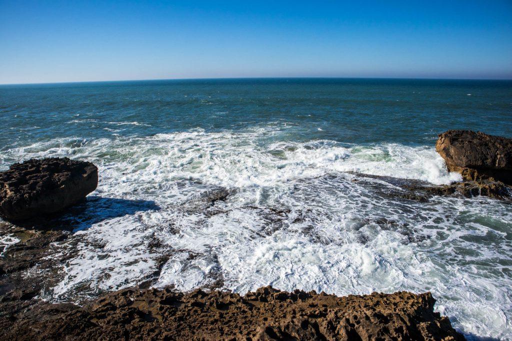 widok na ocean z murów w essaouira