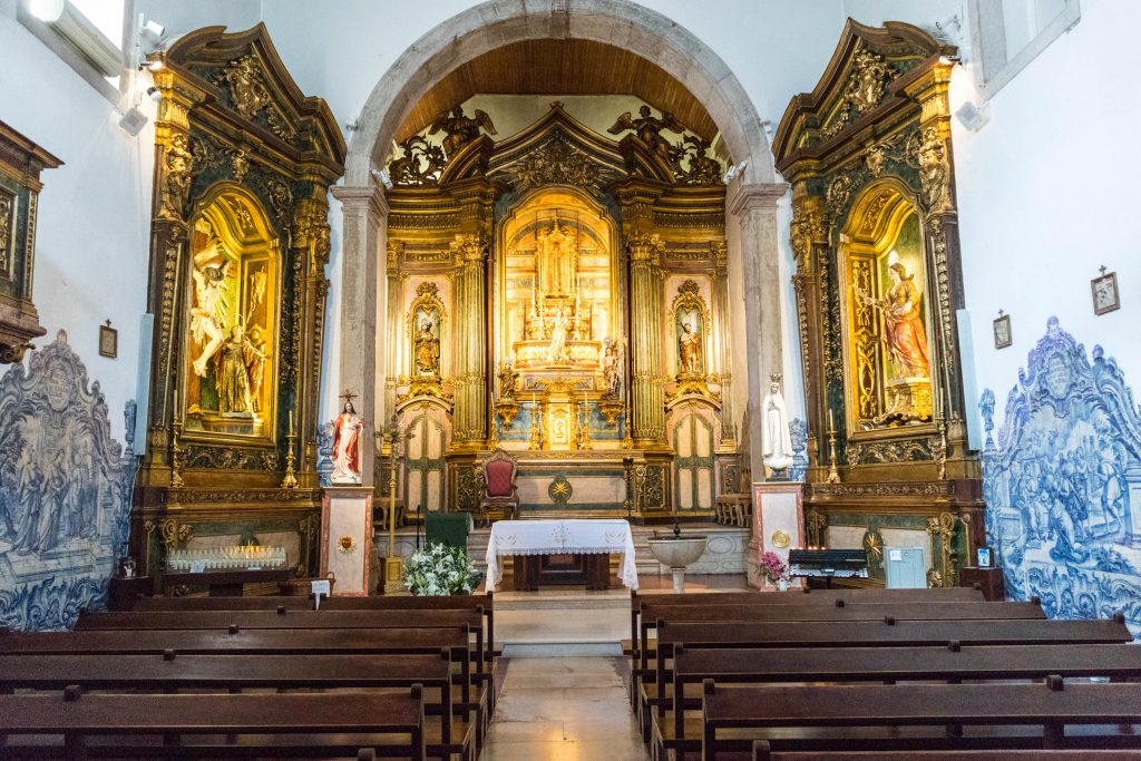 the interior of the church in cacilhas, lisbon