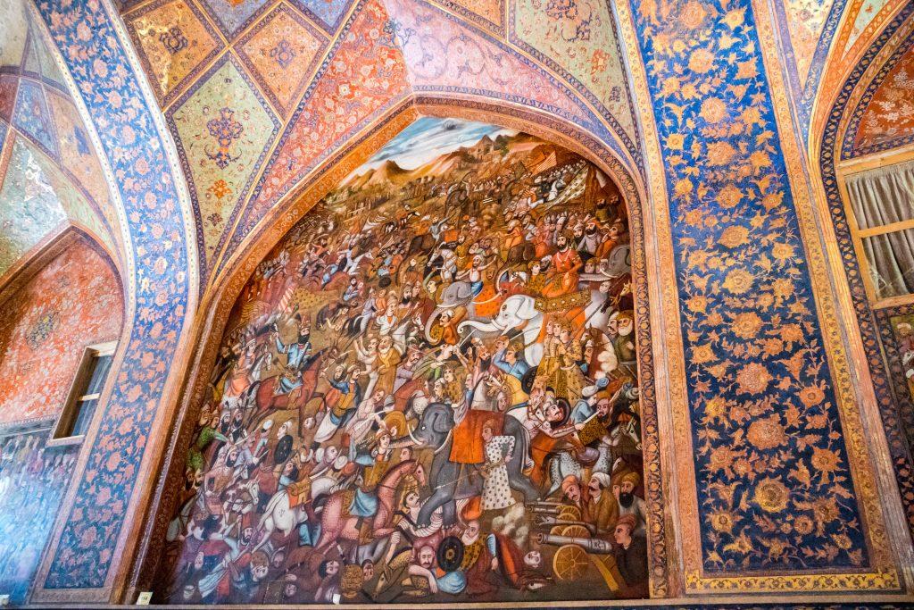 Freski przedstawiające sceny bitewne w pałacu Chechel Sotun w Esfahan.
