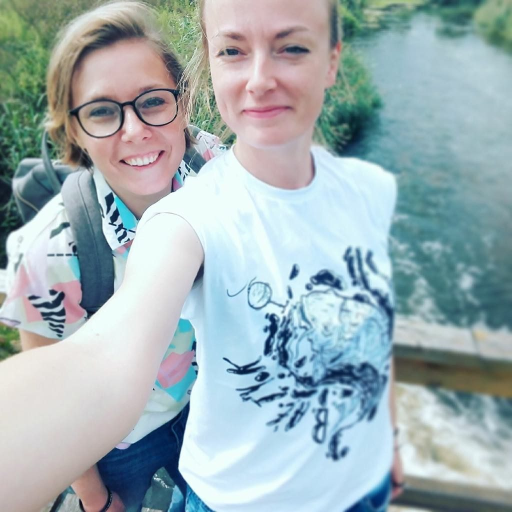 dwie siostry z polski na obczyznie selfie